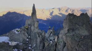 Le monde de Jamy : la vie cachée des montagnes. Extrait « des Parois sous surveillance »